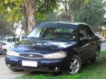 czarny samochód marki ford mondeo